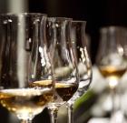 Aký je rozdiel medzi destilátom a liehovinou?