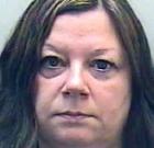 Opila dvoch svojich študentov a následne sa s nimi vyspala
