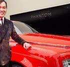 Milionár nevie čo s peniazmi? Kúpil 30 červených Rolls-Royce