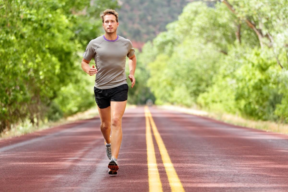 Športové oblečenie pre pánov by malo spĺňať niekoľko kritérií: Viete, podľa čoho vyberať?