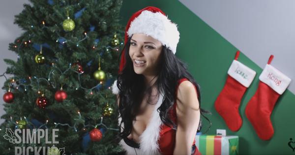 Ženy sedia na vibrátore a spievajú vianočnú pieseň, VIDEO v článku