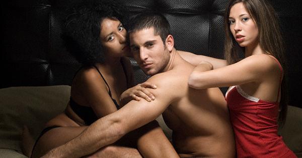 17 rád od žien pre mužov, ako flirtovať  so ženou vbare