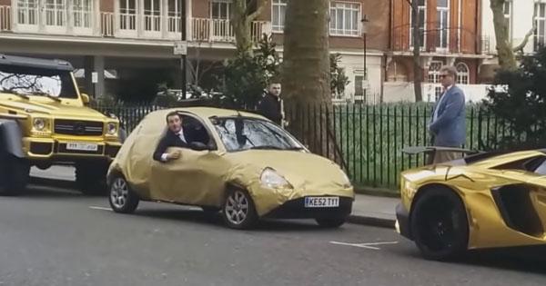 Brit s Ford KA takto zosmiešnil miliardára, VIDEO v článku