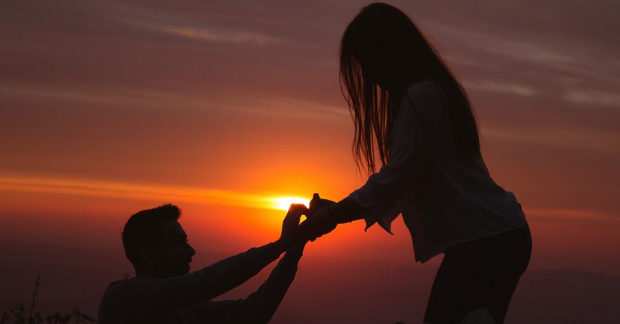 Chcete požiadať svoju partnerku o ruku? Poradíme vám, ako na to