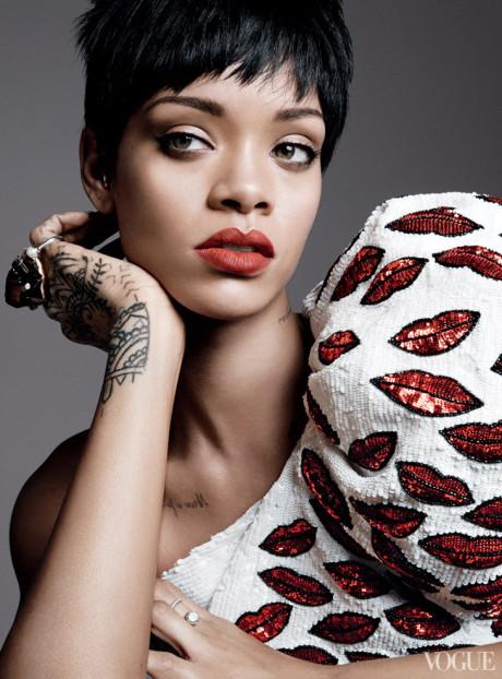 Kráska Rihanna na obálke marcového vydania magazínu Vogue 10