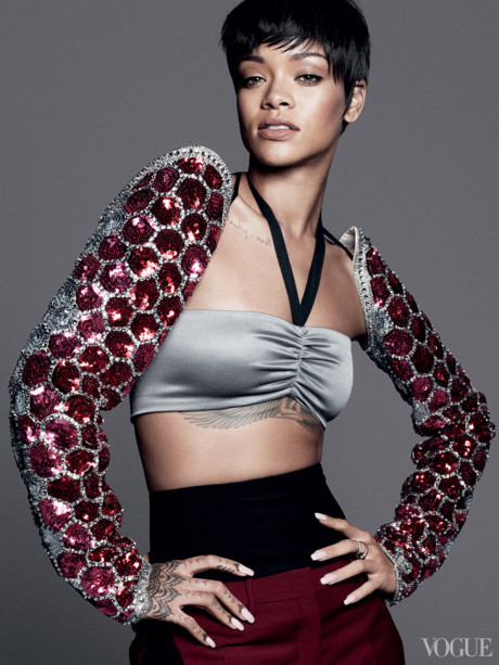 Kráska Rihanna na obálke marcového vydania magazínu Vogue 2