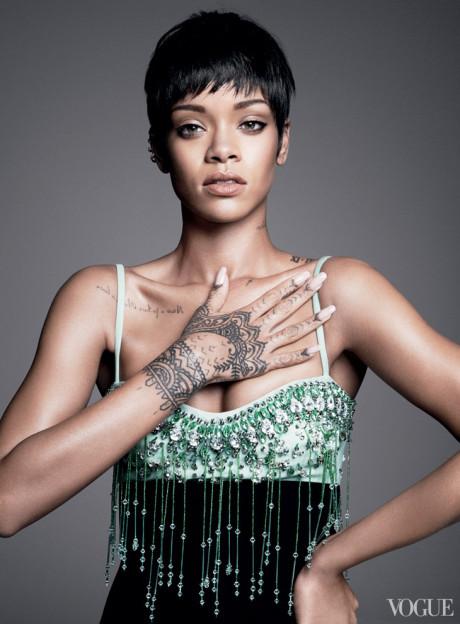 Kráska Rihanna na obálke marcového vydania magazínu Vogue 4