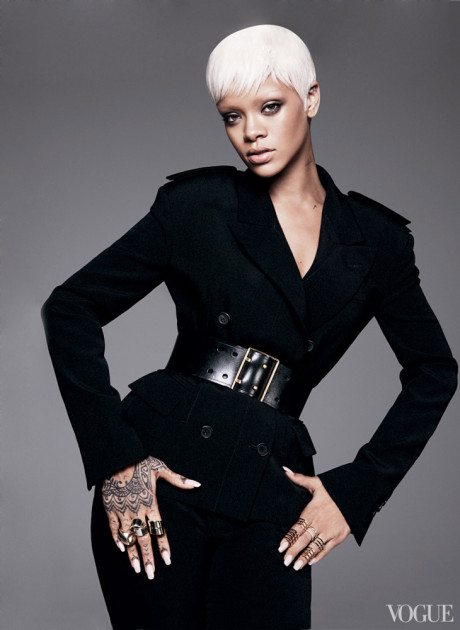 Kráska Rihanna na obálke marcového vydania magazínu Vogue 5