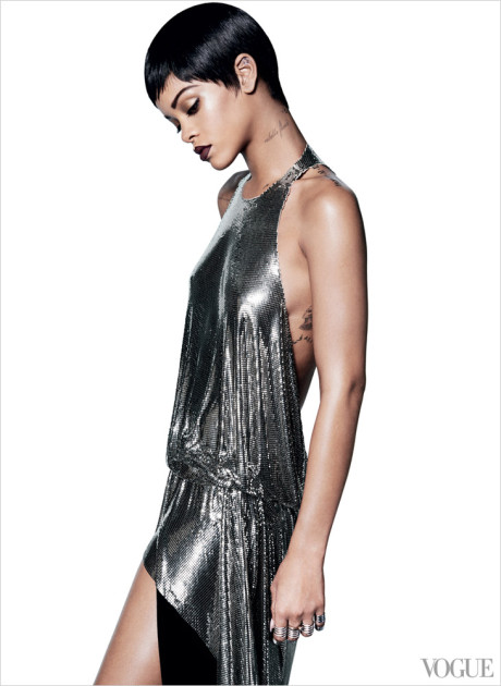 Kráska Rihanna na obálke marcového vydania magazínu Vogue 7