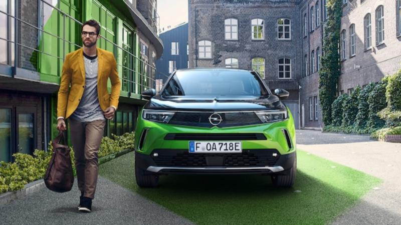 Nový Opel Mokka: štýlovejšia a väčšia alternatíva k Opel Crossland