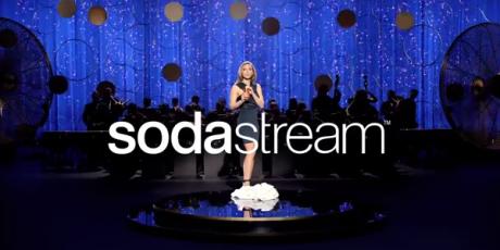 Scarlett Johansson v reklame Prepáč, Cola a Pepsi (video)