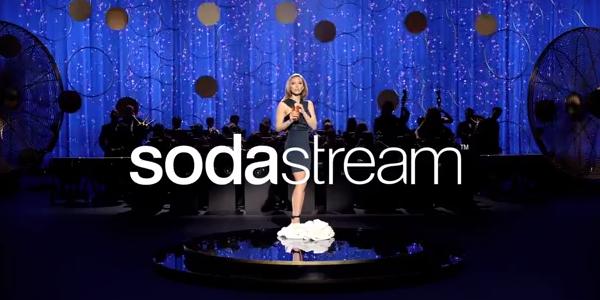Scarlett Johansson v reklame: Prepáč, Cola a Pepsi (video)