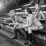 Sexi ragbistky sa vyzliekli pre charitu úplne donaha (foto)