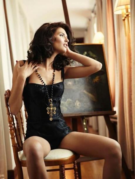 Talianská topmodelka Bianca Balti pre Esquire Mexico 2