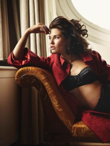 Talianská topmodelka Bianca Balti pre Esquire Mexico 3
