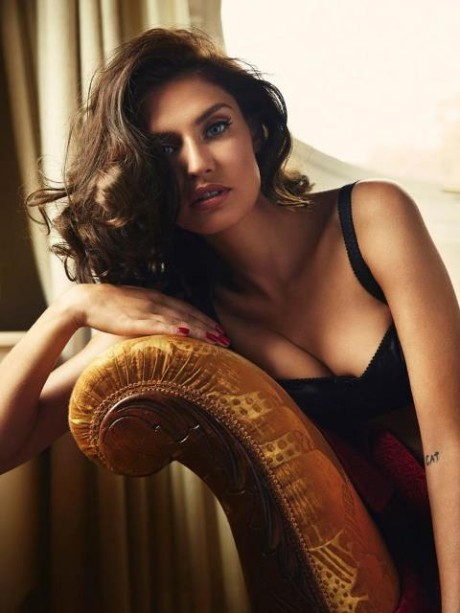 Talianská topmodelka Bianca Balti pre Esquire Mexico 4