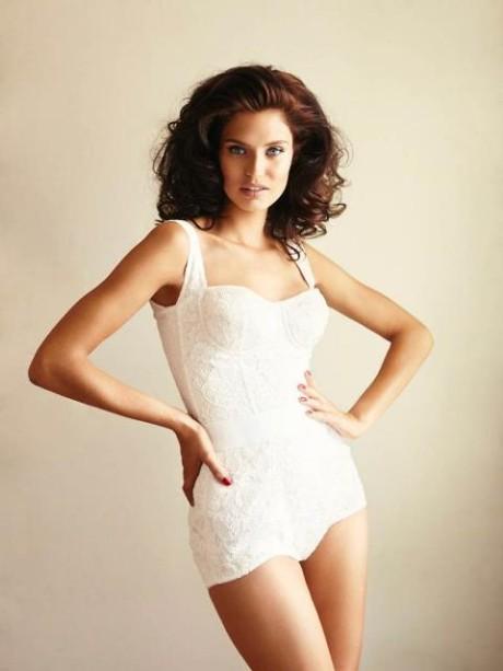 Talianská topmodelka Bianca Balti pre Esquire Mexico 6