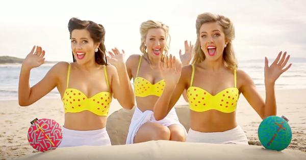 Trojica krások SketchShe majú nový letný hit z pláže (video)