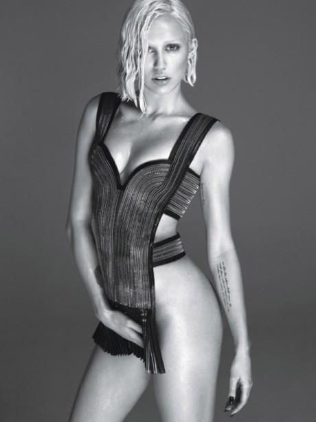Zvodná Miley Cyrus pred objektívom amerického W Magazine 3