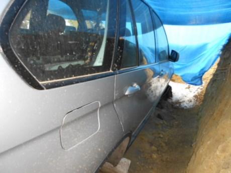 auto v jame 2