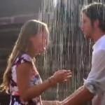 Video: Anketou balil dievčatá na ulici