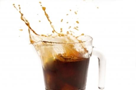 Liter koly obsahuje až 28 kociek cukru!